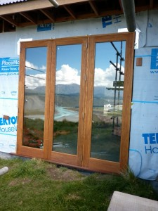 timber-bifold-doors-rosewood